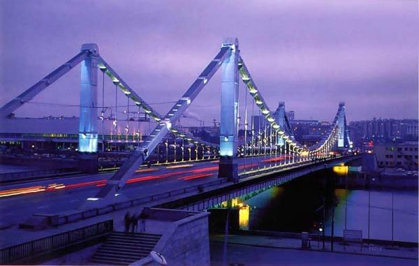 Ворота парка горького и крымский мост