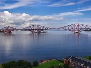 Forth Bridge – это мост над шотландским заливом Фёрт-оф-Форт