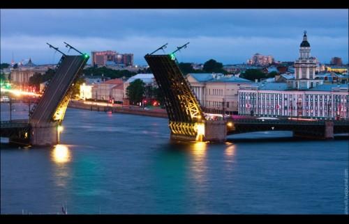 X Дворцовый мост Санкт-Петербурга
