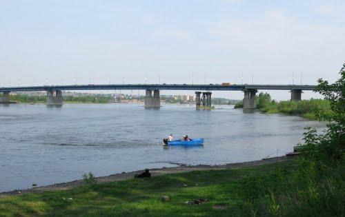 Иннокентьевский мост в Иркутске.