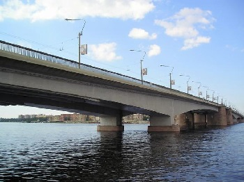 AlexanderNevsky_bridge